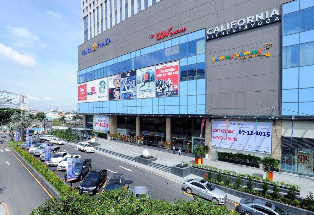 Hơn 25.000 lượt khách tham quan và mua sắm ngày đầu mở cửa TTTM Pearl Plaza