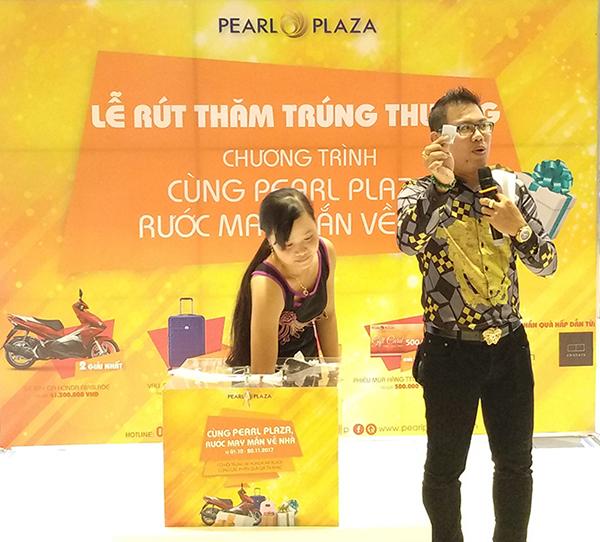 Lễ rút thăm may mắn chương trình Cùng Pearl Plaza, rước may mắn về nhà tháng 11